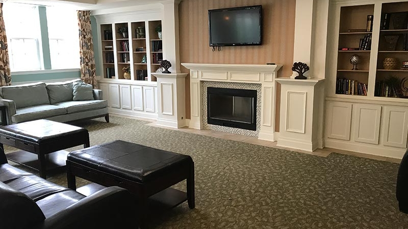 senior-living-commonroom-floor
